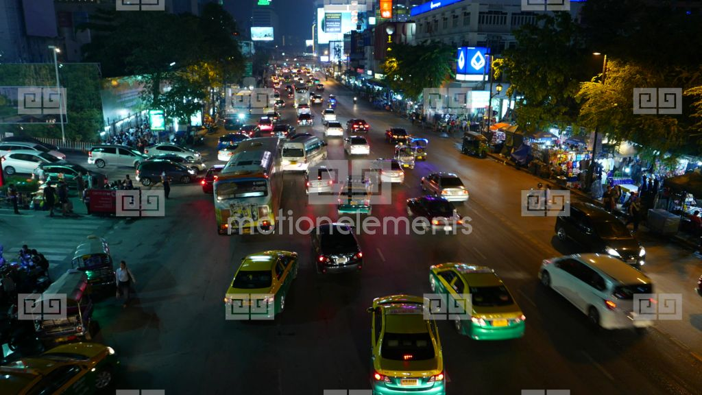 Night Traffic At Ratchadamri Road Cars Turn From Parking To Crowded