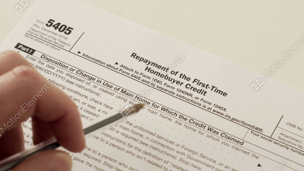 Irs form 5405 repayment of first time homebuyer credit — stock.