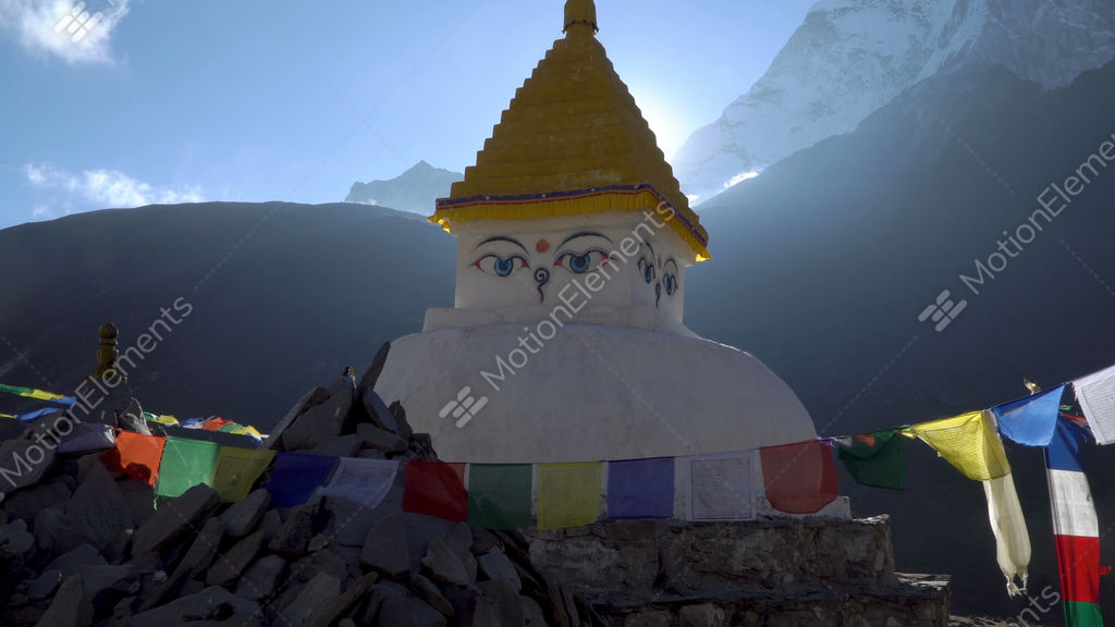 Buddhist stupa in the himalayan mountains banco de v deos for Banco 0081