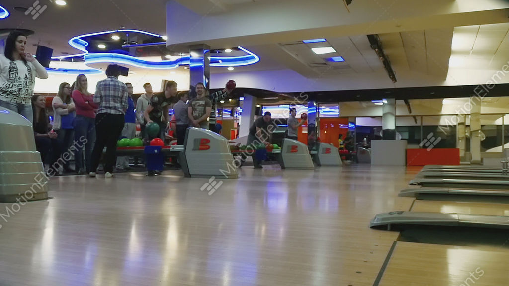 Family Competitions In Bowling Club Quantum Stock Video Footage 9131587