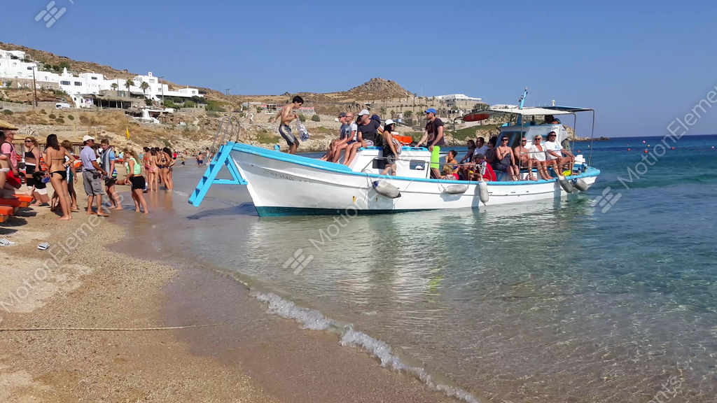 Best Island Beaches For Partying Mykonos St Barts: Water Taxi From Paradise Beach To Super
